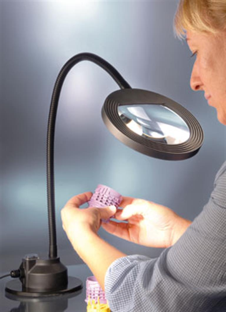 LED2WORK - LED light with a 1.85 fold magnificatio